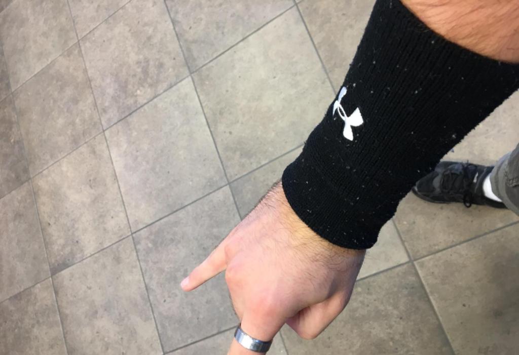 UA Performance Armband Black